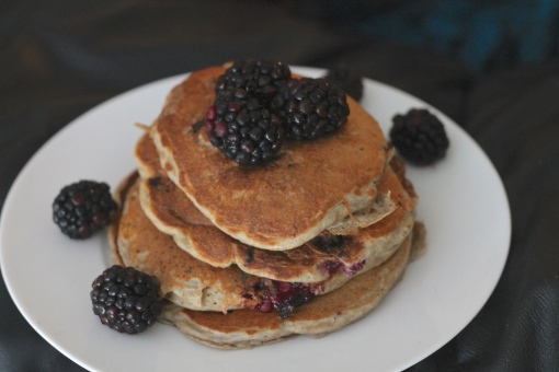 blackberry banana pancakes3